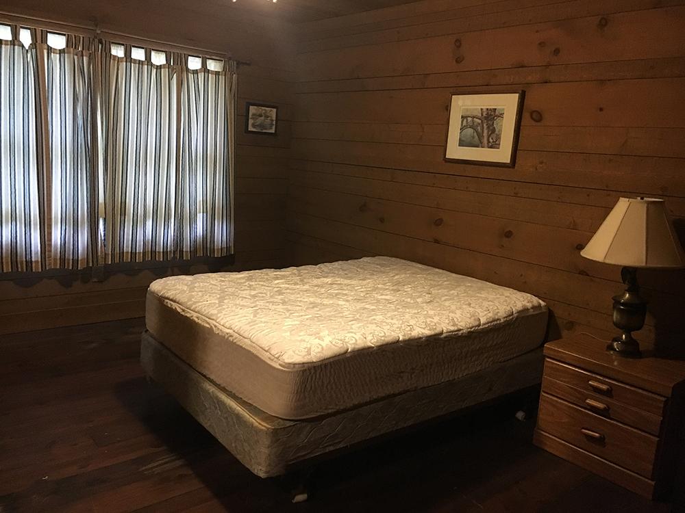 cabinbedroom2